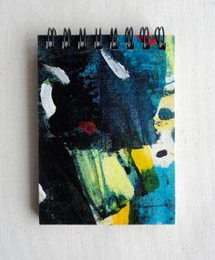 """Notebook MINI.  (7'5x10'5 cm.)(2.6""""x4.1"""").           Ideal para bolsos pequeños. Hecho a mano y Pintado a mano (pieza única). Encuadernado con espiral. 100 páginas (50 hojas) de papel reciclado 100% (80gr/m2). Cartón reciclado."""