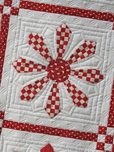 close up of Red Daisy by HollyHillQuiltShoppe, great dresden use.