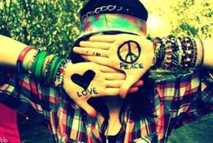 Image discovered by мαlια. Find images and videos about love, peace and hippie on We Heart It - the app to get lost in what you love. Paz Hippie, Mundo Hippie, Hippie Vibes, Hippie Peace, Hippie Love, Hippie Chick, Hippie Bohemian, Hippie Things, Hippie Masa