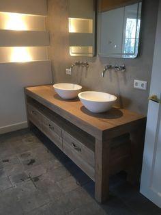 massief eiken badkamer meubel gemaakt door Houtvorm. https://houtvorm.nl