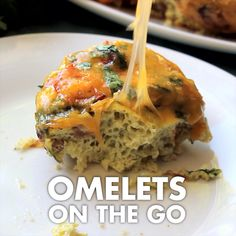 Enjoy an omelet in the palm of your hand! This is a great healthy option for a grab-and-go breakfast. Make ahead and reheat quickly! Egg Recipes, Brunch Recipes, Indian Food Recipes, Breakfast Recipes, Cooking Recipes, Healthy Recipes, Omelettes, Cooking App, Grab And Go Breakfast