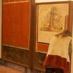 Il passe son temps dans les musées pour photographier les visiteurs qui « matchent » parfaitement avec des oeuvres d'art