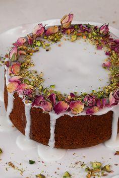 Fun Baking Recipes, Cake Recipes, Dessert Recipes, Desserts, Cooking Recipes, Basa Fish Recipes, Love Cake Recipe, Golden Cake, Flat Cakes