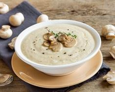 Best Creamy Mushroom Soup Recipe: Learn How to make Creamy Mushroom Soup in easy steps. Explore new Lunch Recipes, get cooking ideas, and discover the chef in you today! Creamy Mushroom Soup, Mushroom Soup Recipes, Creamy Mushrooms, Stuffed Mushrooms, Stuffed Peppers, Morphy Richards Soup Maker, Love Food, A Food, Salsa Fresca