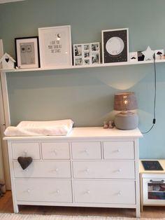 HEMNES ladekast | Deze pin repinnen wij om jullie te inspireren. IKEArepint IKEA IKEAnederland IKEA traditioneel wit landelijk opberger opbergen opbergmeubel kast kledingkast garderobekast slaapkamer inspiratie wooninspiratie interieur wooninterieur