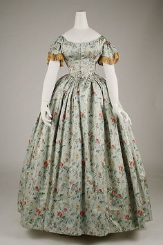 """The Metropolitan Museum of Art. """"Costume in the Age of Ingres,"""" September Metropolitan Museum of Art. Victorian Gown, Victorian Fashion, Vintage Fashion, Old Dresses, Pretty Dresses, Vintage Gowns, Vintage Outfits, Vintage Clothing, Vintage Hats"""