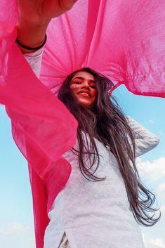 Teenage Girl Photography, Portrait Photography Poses, Indian Photography, Couple Photography Poses, Creative Photography, Photography Ideas, Girl Photo Poses, Girl Poses, Photo Shoot