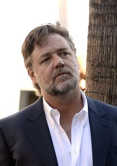Russell Crowe Photos - Ridley Scott Is Honored with a Star on the Hollywood Walk of Fame - Zimbio