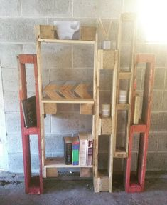 9 Creative Wood Pallet Bookshelf Plans on Sensod - Sensod - Create. Wooden Pallet Projects, Pallet Crafts, Wooden Pallets, Diy Pallet, Pallet Wood, Pallet Ideas, Bookshelf Plans, Pallet Bookshelves, Bookshelf Diy
