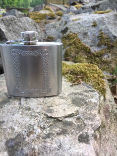 /flask/Norwegian/viking/folk art/pattern/traditional/viking cosplay by WifinpoofVintage on Etsy Vintage Home Decor, Unique Vintage, Vintage Shops, Vintage Items, Viking Cosplay, Viking Pattern, Norwegian Vikings, Slim And Fit, Home Goods Decor