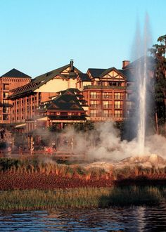 Disneyworld Lodge and Old Faithful