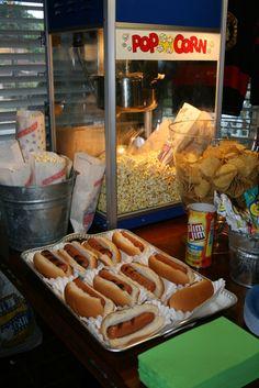 Popcorn and nacho appetizer idea Movie Theatre Birthday Party, Outdoor Movie Birthday, Backyard Movie Night Party, Kids Movie Party, Movie Theater Theme, Movie Theater Popcorn, Outdoor Movie Party, Cinema Party, Outdoor Movie Nights
