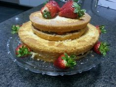 Sexta niver do amor com Bolo Naked Cake de brigadeiro com morango!!!
