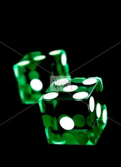 green dice . . . i love dice . . . <3 them so hard . . .