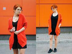 Vladyslava Kozachyshche - Dress Expess Glasses, Pull & Bear Cardigan, Topshop Necklace, Zara T Shirt, Bershka Skirt, Nike Sneakers - Orange Mania