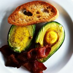 Avocado mit Ei - natürlich ohne Brot