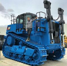 Used Construction Equipment, Construction Machines, Mining Equipment, Heavy Equipment, Caterpillar Equipment, Caterpillar Toys, Giant Truck, Crawler Tractor, Old Tractors