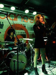 Kiah Victoria delivering a killer performance at Pianos