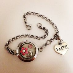 Have faith in yourself and your dreams will come true <3 #medalhões #pingentes #charms #pulseira #prata #rosa #cristal #sonhos #fé #banilla