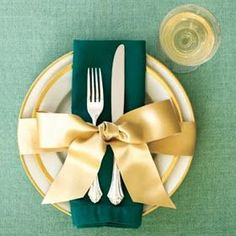 Wrap it up with a bow! A Great Idea for Place Settings!