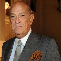 NAME: Oscar de la Renta  OCCUPATION: Entrepreneur, Fashion Designer, Philanthropist  BIRTH DATE: July 22, 1932 (Age: 80)  EDUCATION: Academy of San Fernando, Madrid  PLACE OF BIRTH: Santo Domingo, Dominican Republic  ZODIAC SIGN: Cancer  BEST KNOWN FOR    Oscar de la Renta is one of the world's leading fashion designers. Famous for his women's evening wear and suits, his line is distinctly modern yet feminine.