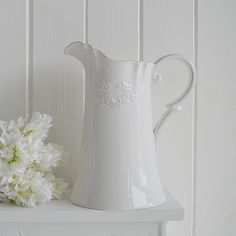 Decorate Your Home In New England Style Ideas For White Home Accessories A Purely