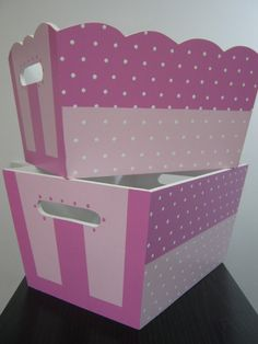 portacosmeticos para bebe - Buscar con Google Paint Furniture, Kids Furniture, Toy Basket, Baby Shawer, Decoupage Box, Wooden Art, Vintage Shabby Chic, Toy Chest, Baby Gifts