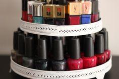 Le présentoir à cupcakes, un rangement original pour les vernis à ongles