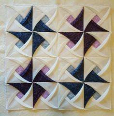 Pinwheel Surprise Quilt Block Pattern Origami- Pinwheel Surprise Quilt Block Pattern from Jaded Spade Creations. 3d Quilts, Patchwork Quilt, Easy Quilts, Mini Quilts, Cot Quilt, Quilt Baby, Pinwheel Quilt Pattern, Easy Quilt Patterns, Pattern Blocks