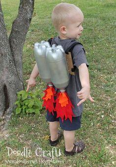 Disfraces caseros para niños... propulsores para súper héroes.