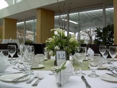 Green wedding table setting & centerpiece