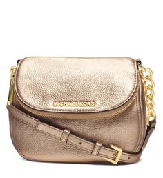 pale gold leather cross body bag  http://rstyle.me/n/s4trwpdpe