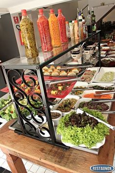 Balcão Self Service Brazilian Restaurant, Catering Buffet, Rustic Cafe, Fast Workouts, Salad Bar, Welding Projects, Restaurant Recipes, Dining Room, Backyard