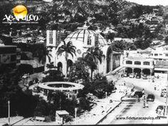 #acapulcoeneltiempo La remodelación de la Catedral de Acapulco. ACAPULCO EN EL TIEMPO. La Catedral de Nuestra Señora de la Soledad, debido a los terremotos de julio del año 1909 y al huracán de 1938, tuvo grandes daños. Se reconstruyó y remodeló a partir de 1940, siendo el arquitecto Federico Mariscal, el encargado. Te invitamos a visitar la página oficial de Fidetur Acapulco, para conocer la información detallada.