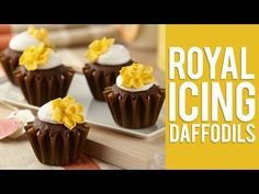 How to Make Royal Icing Daffodil Flowers - YouTube