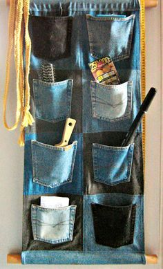 Jeans Wall Pockets by on DeviantArt - Jeans Wall Pockets by on DeviantArt Dont throw away old jeans that are torn. I plan on making this for the tack room of the horse trailer! Diy Jeans, Jean Crafts, Denim Crafts, Fabric Crafts, Sewing Crafts, Sewing Projects, Artisanats Denim, Jean Diy, Pocket Organizer
