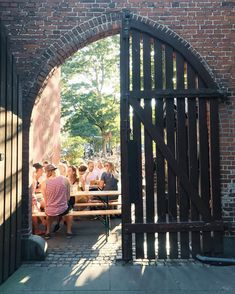 Where can you eat and drink outside in the city? Here are the best spots!
