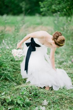 that black bow sash makes this wedding dress oh so special #wedding #dress