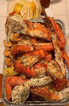 Cajun Seafood Boil, Seafood Boil Recipes, Seafood Dinner, Seafood Boil Party, Seafood Boil Seasoning Recipe, Lobster Recipes, Comida Boricua, Susan Recipe, Boiled Food