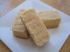 I have been trying, and been disappointed by, shortbread cookie recipes for years. Jamie Oliver finally put an end to my search. His self proclaimed, Best Shortbread in the World really is the be. Best Shortbread Cookie Recipe, Homemade Shortbread, Homemade Desserts, No Bake Desserts, Cookie Recipes, Delicious Desserts, Yummy Food, Cookie Ideas, Tea Cookies