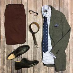 I love any excuse to bring out my tweed especially when paired with this amazing new custom @altonlane shirt   #theamateurprofessional #altonlane #jcrew #oldnavy #taft #martindingman #sprezzabox #sprezzanyc #eyebuydirect