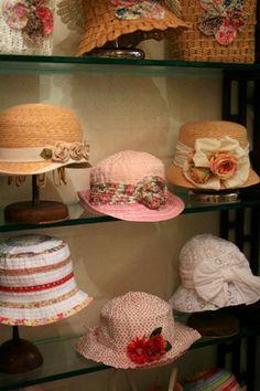 素敵な帽子屋さん – GREVI –  2009 春夏 : Piccoli Passi - イタリア子育て+α日記