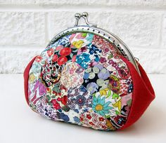 Clippy purse with Liberty hexies by Very Berry Handmade, via Flickr