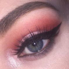 """love the GWA bombshell palette""  sfxenzie (hair & makeup student) wearing GWA bombshell eyeshadow palette. Available on girlswithattitude.co.uk #gwalondon"