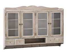 Mueble de pared de madera y cristal