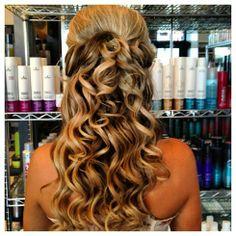 Half up half down curls by Mimi