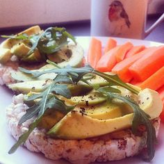 ❝Morning :) For today's breakfast I had rice cakes topped with avocado & carrots.❞