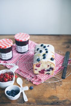 confectionerybliss:  Blueberry Loaf Cake with Icing | Amelia