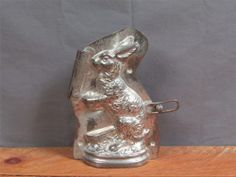 Antique Easter Bunny Rabbit Chocolate Mold Germany Hinge-Clip Tin 1930s Candy