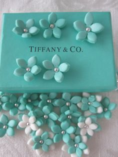 NEW COLOR Tiffany Blue Turquoise 3D Stephanotis Flowers 100% edible cake and cupcake tpoppers